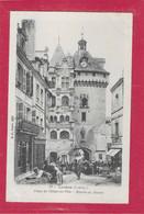 37,- LOCHES ,- Place De L' Hôtel De Ville - Marché Du Beurre - Loches
