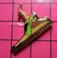 317 Pin's Pins / Beau Et Rare / THEME : SPORTS / GYMNASTIQUE LES CHIPIES DE PACY SUR EURE TWIRLING BATON - Ginnastica