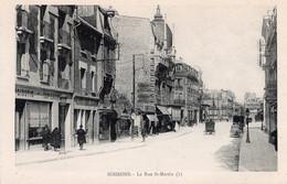 Soissons  La Rue St MARTIN  Tapissier - Soissons