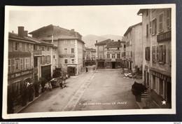 VAUGNERAY - LA PLACE - Hôtel Du Nord GONICHON, Boulangerie COLLONGE, Pharmacie, Hôtel Du Midi, Sté Économique D'Aliment - Otros Municipios