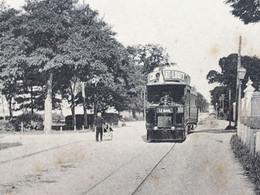 CPA   La Rochelle [17] Charente Maritime -☛-Carte Postale-Bus Tramway Et Pub Chocolat Louit -Le Chalet De L'Octroi - La Rochelle