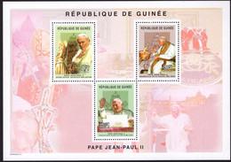 REPUBLIQUE DE GUINEE -  STAMP SHEET -  POPE JOHN PAUL II - BLOCK MINT NOT HINGED SOUVENIR, M - Popes