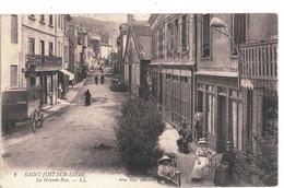 CPA   SAINT JUST SUR LOIRE  La Grande Rue  N° 8 - Autres Communes