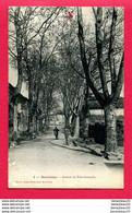 CPA (Réf : Y513) MONTRICOUX (82 TARN-et-GARONNE) Avenue De Saint-Antonin (animée) - Autres Communes