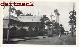 GUYANE CAYENNE LA DIRECTION DE LA GARDE URUBUS DANS LA RUE ET SUR LE TOIT GUYANA - Cayenne