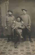 Carte-Photo - Avec Un Camarade Tué Pendant L'Assaut De La Côte 830 - Regiments