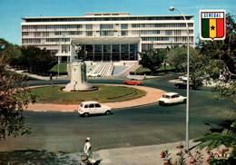 CPM - DAKAR - L'Assemblée Nationale ... (voitures Citroën DS) - Senegal
