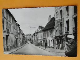 LONGJUMEAU -- La Rue De Corbeil - ANIMEE - Quincaillerie Ripolin -- Carte Postale Semi-moderne - Longjumeau