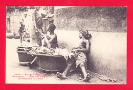 E-Benin-42Ph101  Dahomey PORTO NOVO, Marchands De Cola, Femme Seins Nus, Cpa BE - Benin