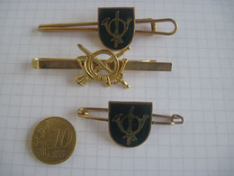 INSIGNE MILITAIRE Chasseurs Alpins - Army