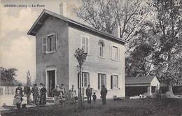 38 - ASSIEU : La Poste ( PTT ) Bon Plan Animé - CPA Village ( 1.375 H ) - Isère - Other Municipalities