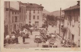 Aspet  31  La Place Peyrot  Tres Tres Animée Jour De Marché Et Foire -a Gauche-DURIEU  Café-Tabac - Other Municipalities