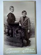 Photographie CDV Enfants - Fratrie - Deux Frères - Circa 1890 - Par Kriegsmann à ANVERS - TBE - Alte (vor 1900)