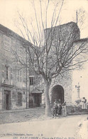 83 - BARGEMON : Place De L'Hotel De Ville ( Animation Fontaine ) - CPA Village ( 1.430 H ) Var - Bargemon