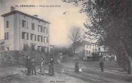 30 - GENOLHAC : Place Du Colombier ( Animation En 1er Plan ) CPA Village ( 850 Habitants )  CPA - Gard - Andere Gemeenten