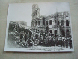 Grande Photo Ancienne GROUPE DE PERSONNES   A IDENTIFIER Voyage à Rome - Personas Anónimos