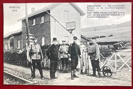 SIGNEULX  Où Environs ?? Soldats Français Prisonniers à La Frontière Belge Francaise . (Photo N. Schumacher Luxemburg ) - Musson