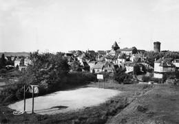 19. CPSM. - ALLASSAC -  Vue Générale - Au Premier Plan Le Terrain De Basket - 1960 - Scan Du Verso - - Andere Gemeenten