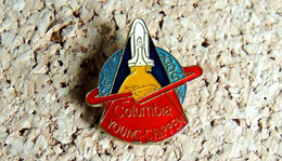 Pin's AVION & ESPACE - NASA Navette : COLUMBIA Young Crippen - Verni époxy - Fabricant Inconnu - Airplanes