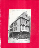 VANNES - 56 -  CPA DOS SIMPLE - Rue Des Halles - Vannes Et Sa Femme - ARD/BARAT - - Vannes