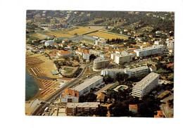Cpm - 83 - Cavalaire-sur-Mer - Gros Plan Sur Le Centre Ville - Aris 8374 - 1982 - Stade Football - Cavalaire-sur-Mer
