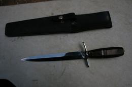 COUTEAU DE LANCER STYLE POIGNARD COMMANDO BERET ROUGE LONGUEUR 28 CM LONGUEUR LAME 18 CM - Knives/Swords