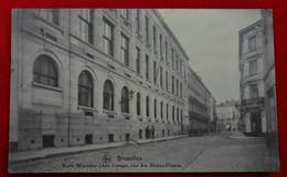 CPA Bruxelles - Ecole Moyenne Léon Lepage, Rue Des Riches-Claires - Education, Schools And Universities