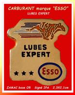 "SUPER PIN'S CARBURANT-LUBRIFIANT De La Marque ""ESSO"" : LEBES EXPERT, La Marque ""Au Tigre"", LUBES EXPERT En ZAMAC Or IPA - Carburants"