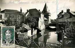 72* LA FERTE BERNARD Porte De Ville (CPSM Petit Format)   MA80-0611 - La Ferte Bernard