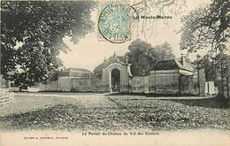 52* VAL DES ECOLIERS  Château     MA86,1423 - Non Classés