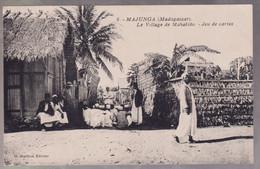 CPA Coloniale - Madagascar - Majunga - Le Village De Mahabibo - Jeu De Cartes - Non Circulée - Madagascar