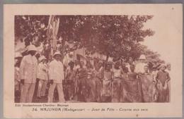 CPA Coloniale - Madagascar - Majunga - Jour De Fête - Course Aux Sacs - Circulée - Madagascar