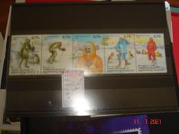 TAAF  ANNEE 2003  NEUFS  N° 352 A 356  SERIE COMPLETE 5 VALEURS   EVOLUTION DE L'HABILLEMENT POLAIRE - Collections (without Album)