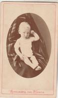 Photo CDV N° 178 - Jeune Enfant Bébé Médaillon -  Photographe Juan B VARONNE Montevideo Uruguay - Old (before 1900)