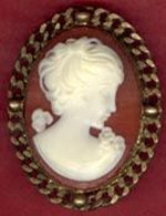 ** LOT  3  BROCHES  FIGURINE  +  AUTRE ** - Brooches