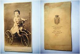 PHOTO CDV ENFANT JEUNE FILLE ET SON JOUET CHEVAL TRICYCLE  MODE   Cabinet JAMIN  A PARIS - Old (before 1900)