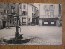 LA SOUTERRAINE Creuse Vieille Porte Et Place Du Fort Café De La Paix Animée  France Carte Postale Postcard - La Souterraine