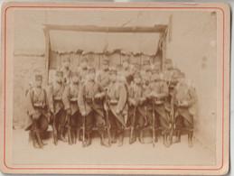 Photo Sur Carton Groupe De Militaires 54 ème RI  ?  Compiègne Mars 1904  Tirage Albuminé - War, Military