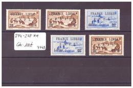 SPM - No Yvert  274-278  ** ( SANS CHARNIERE / MNH ) -  FRANCE LIBRE -  COTE: 100 € - Nuevos