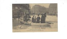 INONDATIONS DE PARIS EN 1910  Un Passage En Bateau Pres Gare St Lazare   *****  A  SAISIR **** - Alluvioni Del 1910