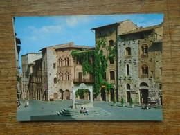 Italie , Citta Di San Gimignano , Piazza Della Cisterna - Andere Städte