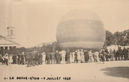 CPA .LA ROCHE SUR YON . BALLON PLACE NAPOLEON . LE 7 JUILLET 1935. - La Roche Sur Yon