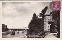 57  Sarreguemines  -  Vue Vers Le Pont De La Sarre  - Peniche - Sarreguemines