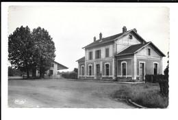 COUBERT (S.-et-M.) - La Gare - Other Municipalities