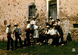 16* CONFOLENS  Groupe Folklorique «lo Gerbo Bauso» (CPM 10,5x15cm)   RL16,0871 - Confolens