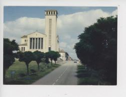 Oradour Sur Glane : L'église Nouvelle - Cité Martyre 10 Juin 1944 (cp Vierge N°670932 Theojac) - Oradour Sur Glane