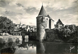 35 - Fougères - Entrée Du Château Et élang De La Couarde - Mention Photographie Véritable - CPSM Grand Format - Voir Sca - Fougeres