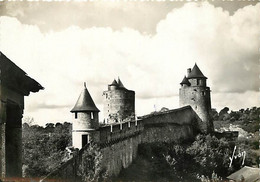 35 - Fougères - Le Château- Tours Du Guet, De Mélusine Et Du Gobelin - CPSM Grand Format - Carte Neuve - Voir Scans Rect - Fougeres