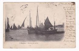 Jolie CPA Etaples (Pas-de-Calais), Bateaux De Pêche, Phot. Caron-Cousin, Etaples - Pêche
