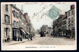 Fontainebleau: Place De L'étape Aux Vins (commerces Animés Et Tram) - Fontainebleau